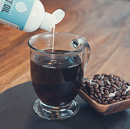 Onnit's Emulsified MCT oil stirs into hot beverages easily.